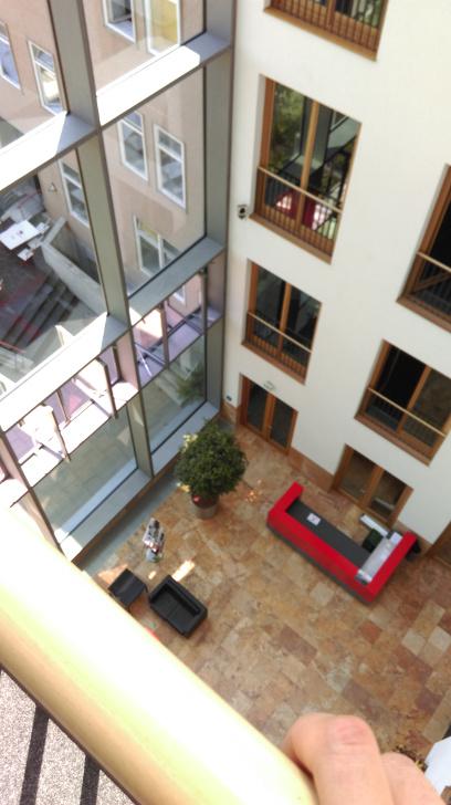 Blick aus dem 4. Stock ins Foyer